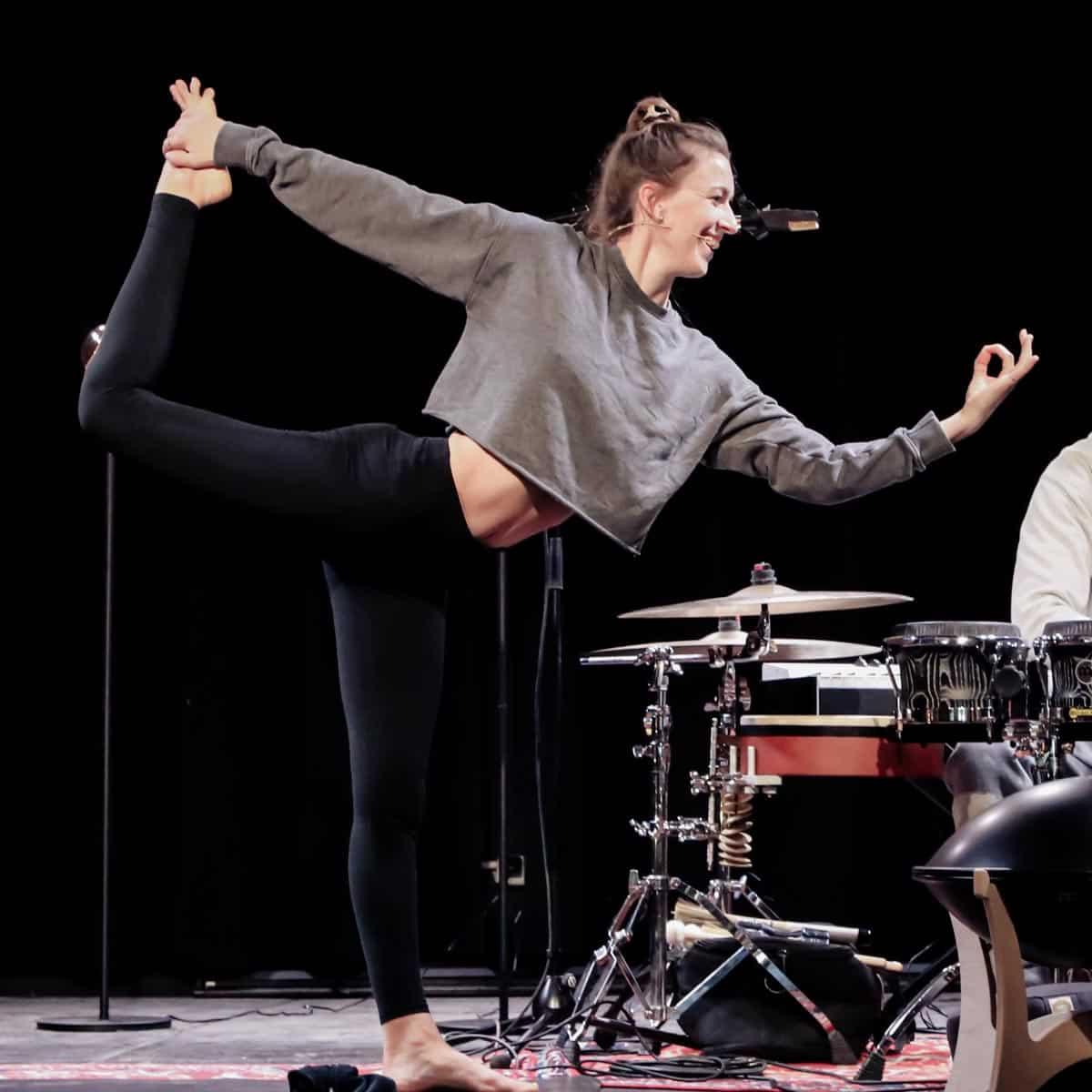 sound flow yoga jamila