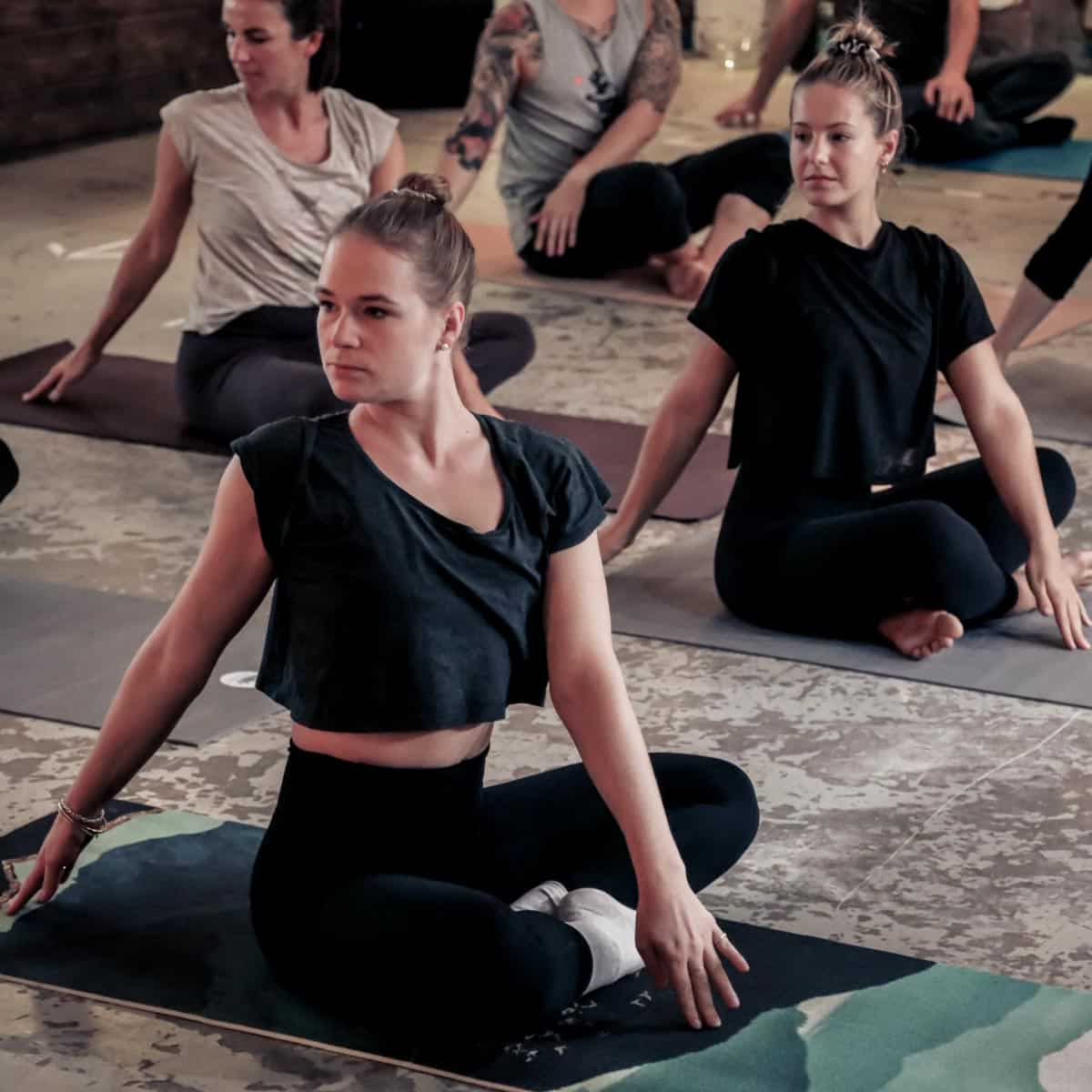 yoga flow sound musik