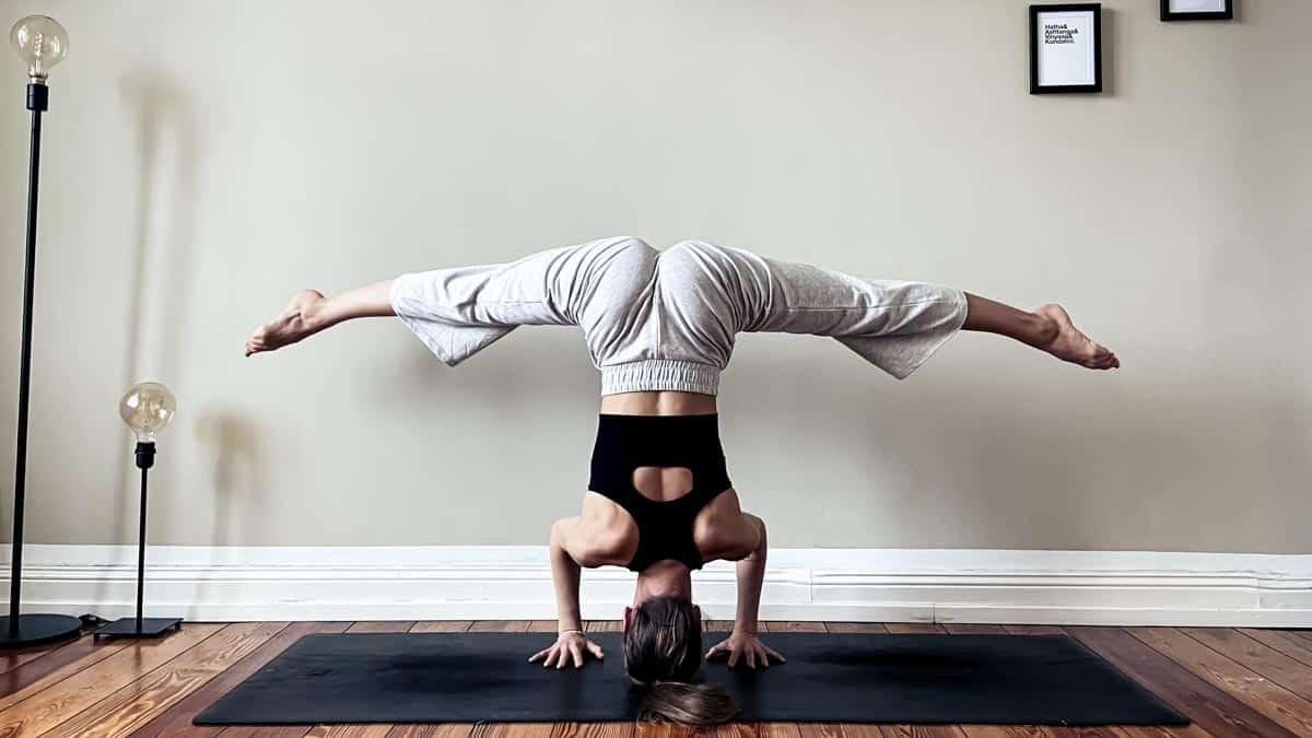 yoga on beat